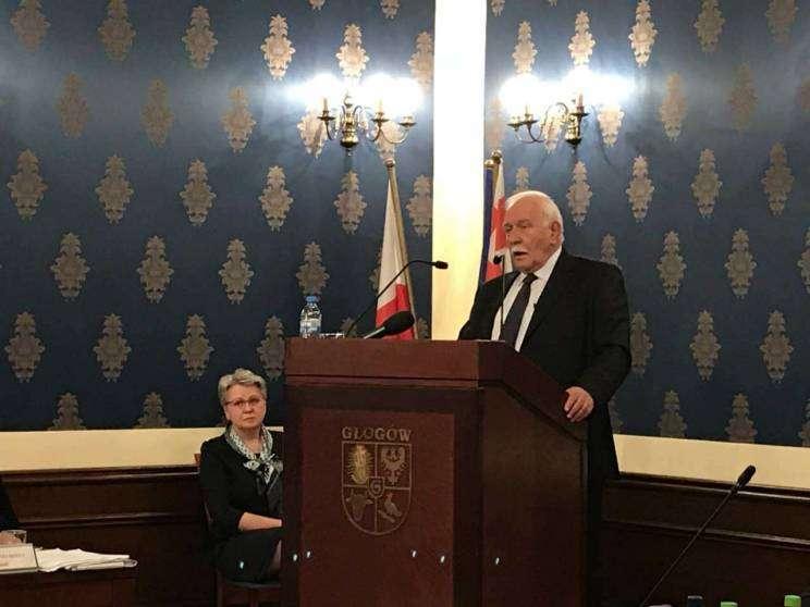 W. Wąsowicz sesja Rady Miejskiej Sala Rajców Głogów