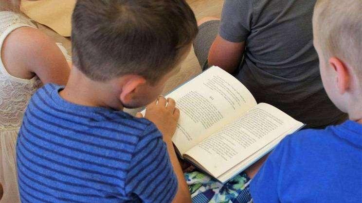 Mali czytelnicy miejska biblioteka publiczna Głogów