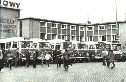 Autobusy Jelcz w latach dziewięćdziesiątych.