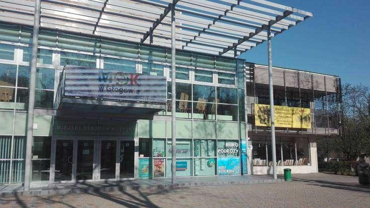 budynek z zewnątrz - Miejski Ośrodek Kultury_1