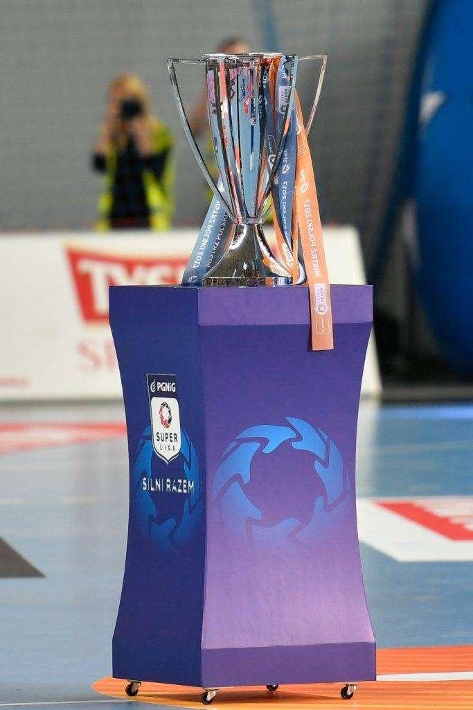 Trofeum wystawione podczas Trophy Tour