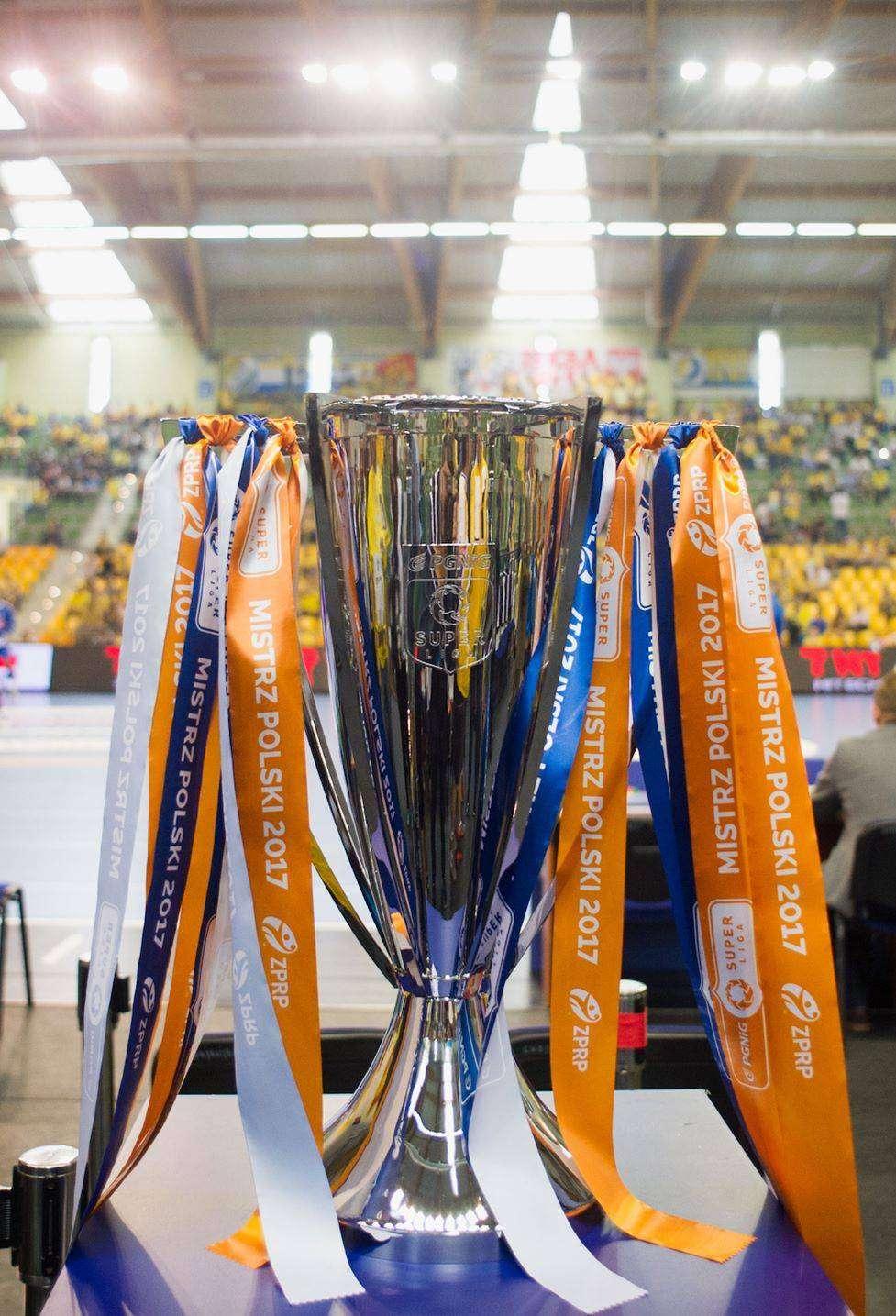 Trofeum za zwycięstwo w PGNiG Superlidze