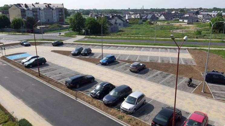 Parking przy ul. Dziadoszan niedługo będzie oficjalnie oddany do użytku_5_mini