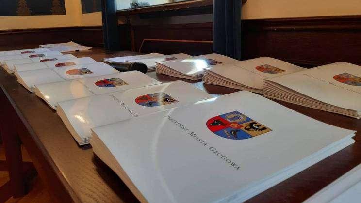 Prezydent Rokaszewicz wręcza stypendia najzdolniejszym uczniom szkół podstawowych_21_mini
