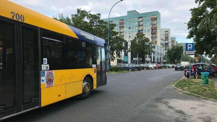 autobus Komunikacji Miejskiej na ul. A.Krajowej, fot. M.Dytwińska
