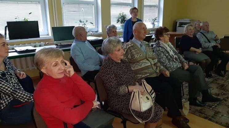 seniorzy biblioteka 2020
