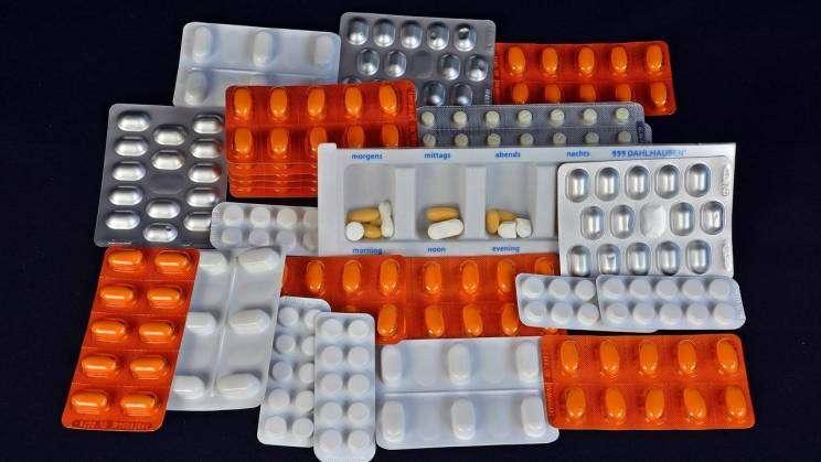 tabletki-apteka-grafika-pixabay