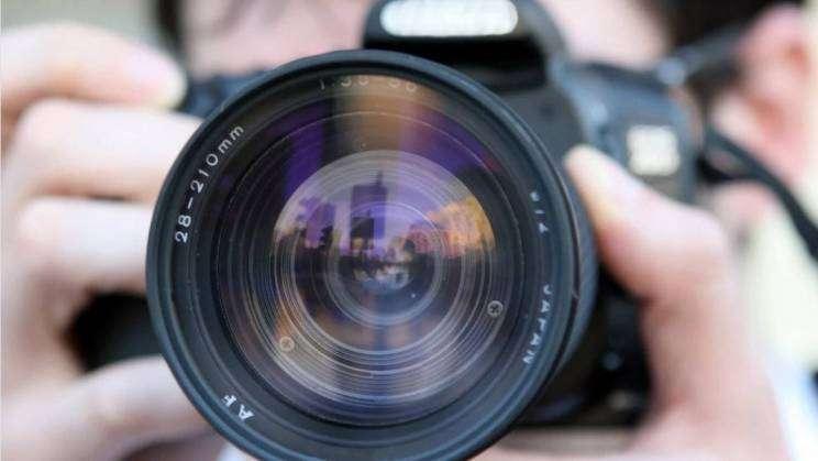 aparat-fotograf-pixabay