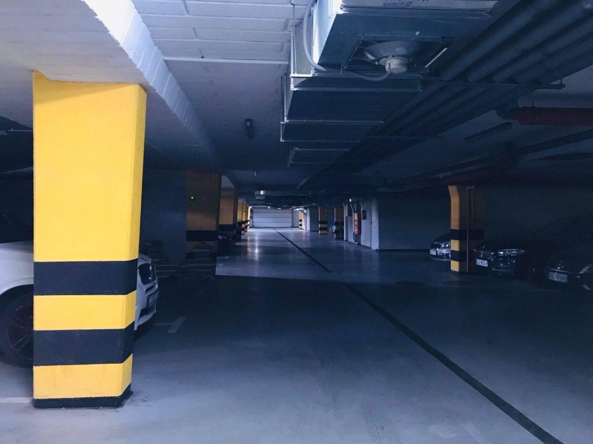 zdjęcie garażu podziemnego 18.06.2020_os.-Żarków-w-Głogowie