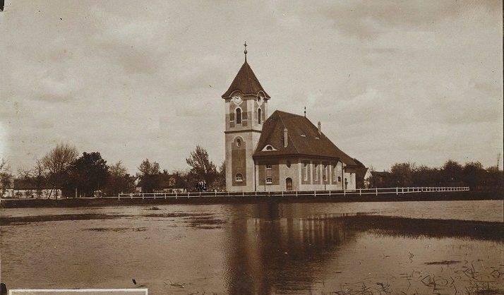 Kościół św. Apostołów Pawła i Piotra w Serbach (fot. polskaorg) (1)