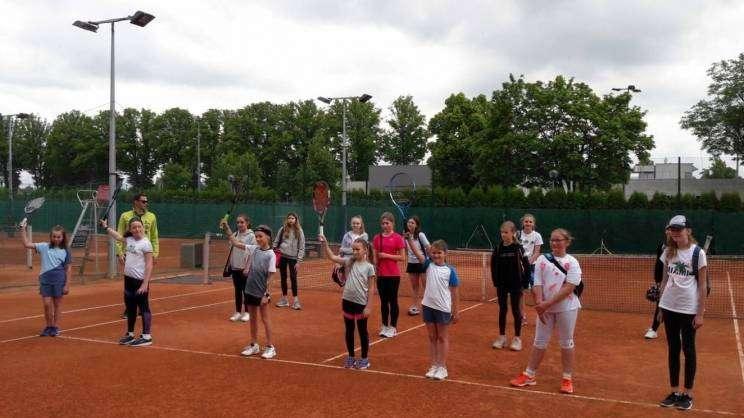 dziewczyny - turniej-tenisowy-dzień-dziecks-07.06.2020