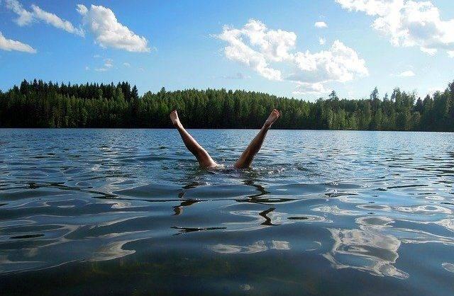 jezioro (fot. Pixabay)