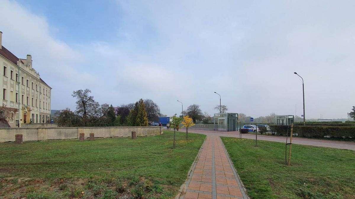 widok-na-przejście-dla-pieszych-przy-zamku-w-Głogowie