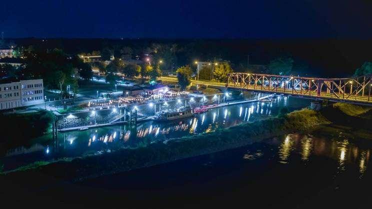 marina w Głogowie, noc, studioSiwek