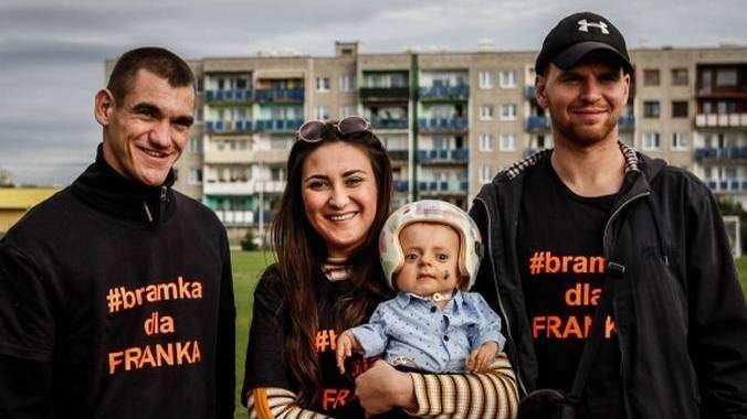 Paweł Łysowski podczas akcji Bramka dla Franka