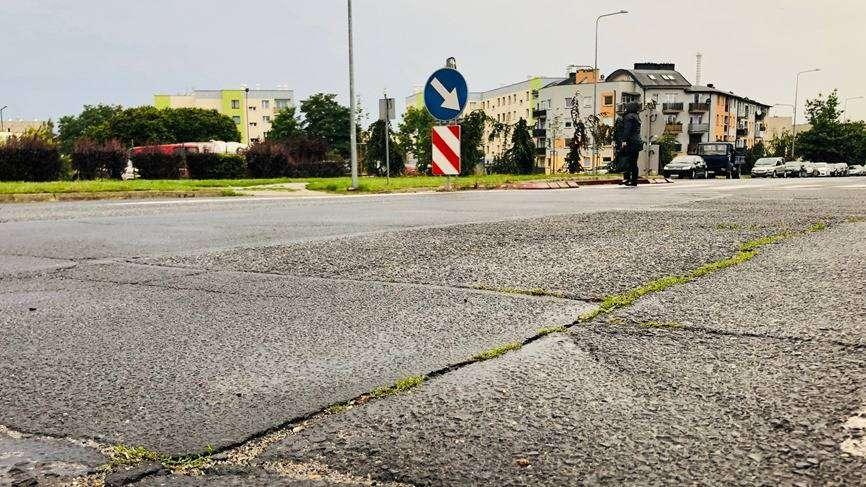 03.09.2020 Głogów, ul. Kazimierza Sprawiedliwego, stan nawierzchni, M. Dytwińska