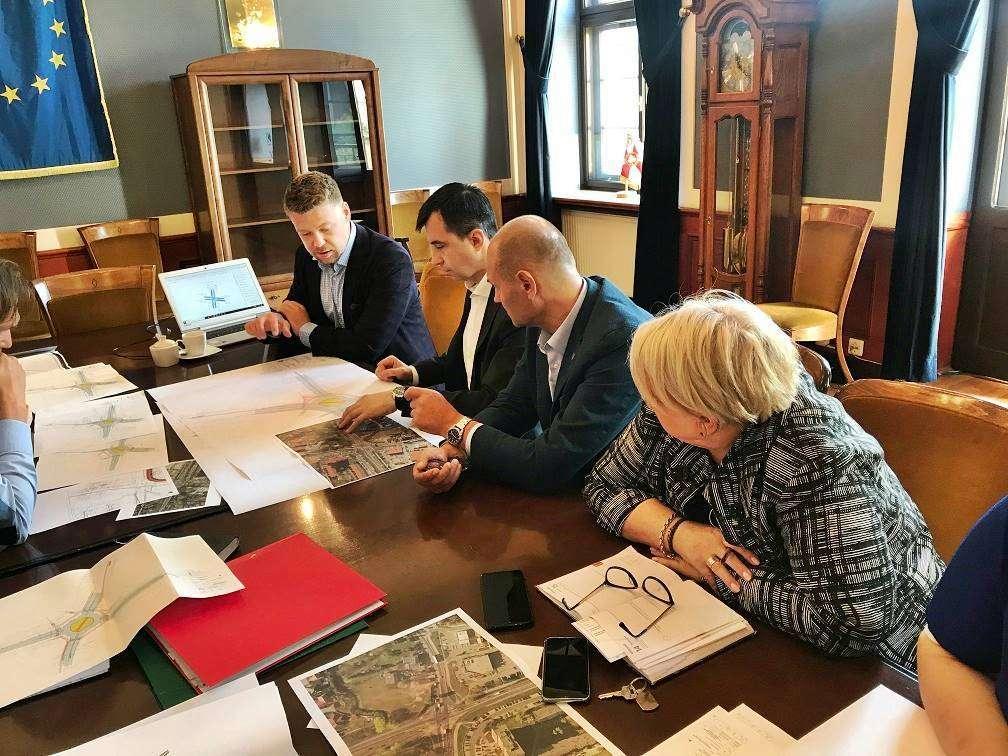 2020-09-10 Spotkanie dot. ronda na skrzyżowaniu ulic Legnickiej i Piłsudskiego (2)