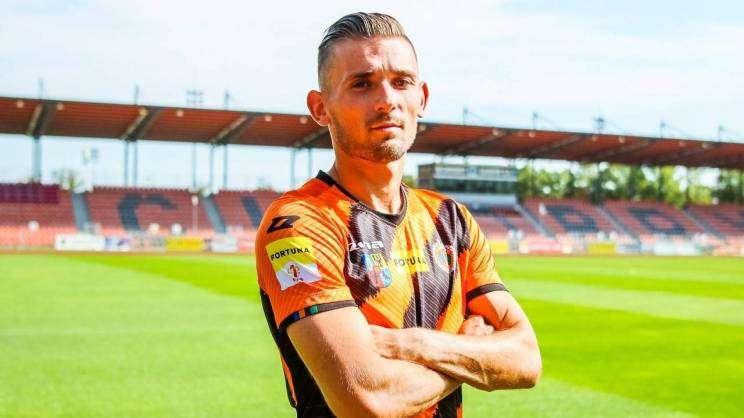 2020-09-23 Pawel Oleksy nowym piłkarzem Chrobrego (fot. Ł. Jaremkiewicz)
