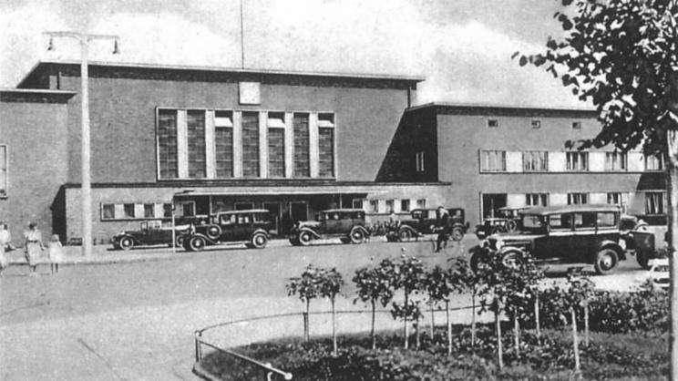 Dworzec PKP Głogów 1935r. zdjęcie archiwalne - zajawka-w800-h600