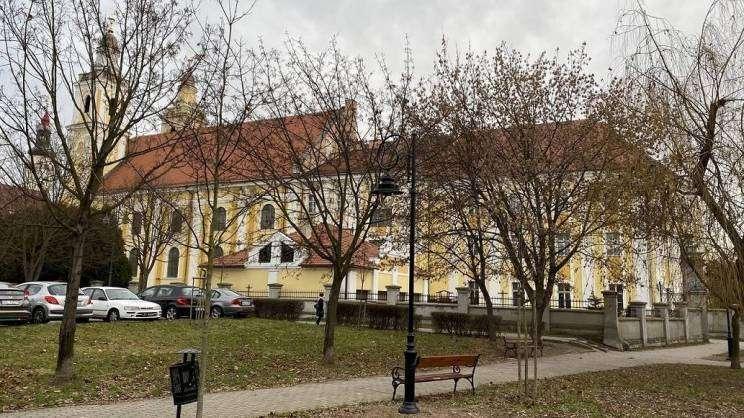 2020-12-29 Budżet Obywatelski - Doświetlenie i remont chodników w rejonie kościoła Bożego Ciała w Głogowie (fot. K. Brzezińska)