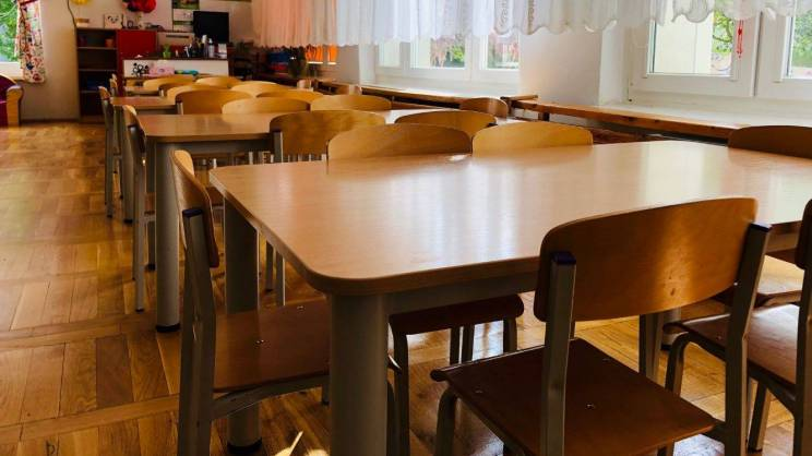 Stoliki w przedszkolu w Głogowie