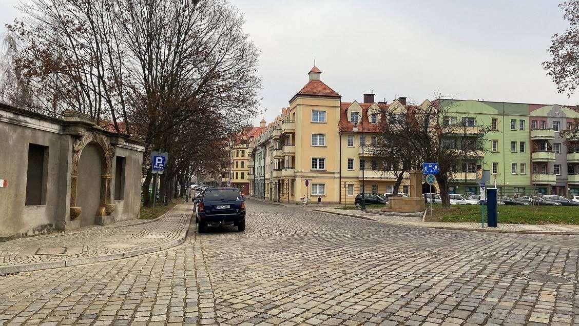 2021-04-06 ulica Głogów Stare Miasto (fot. K. Brzezińska)