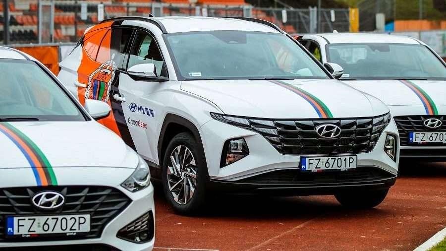 2021-04-10-Grupa-Gezet-Hyundai-nowym-sponsorem-Chrobrego-fot.-L.-Jaremkiewicz