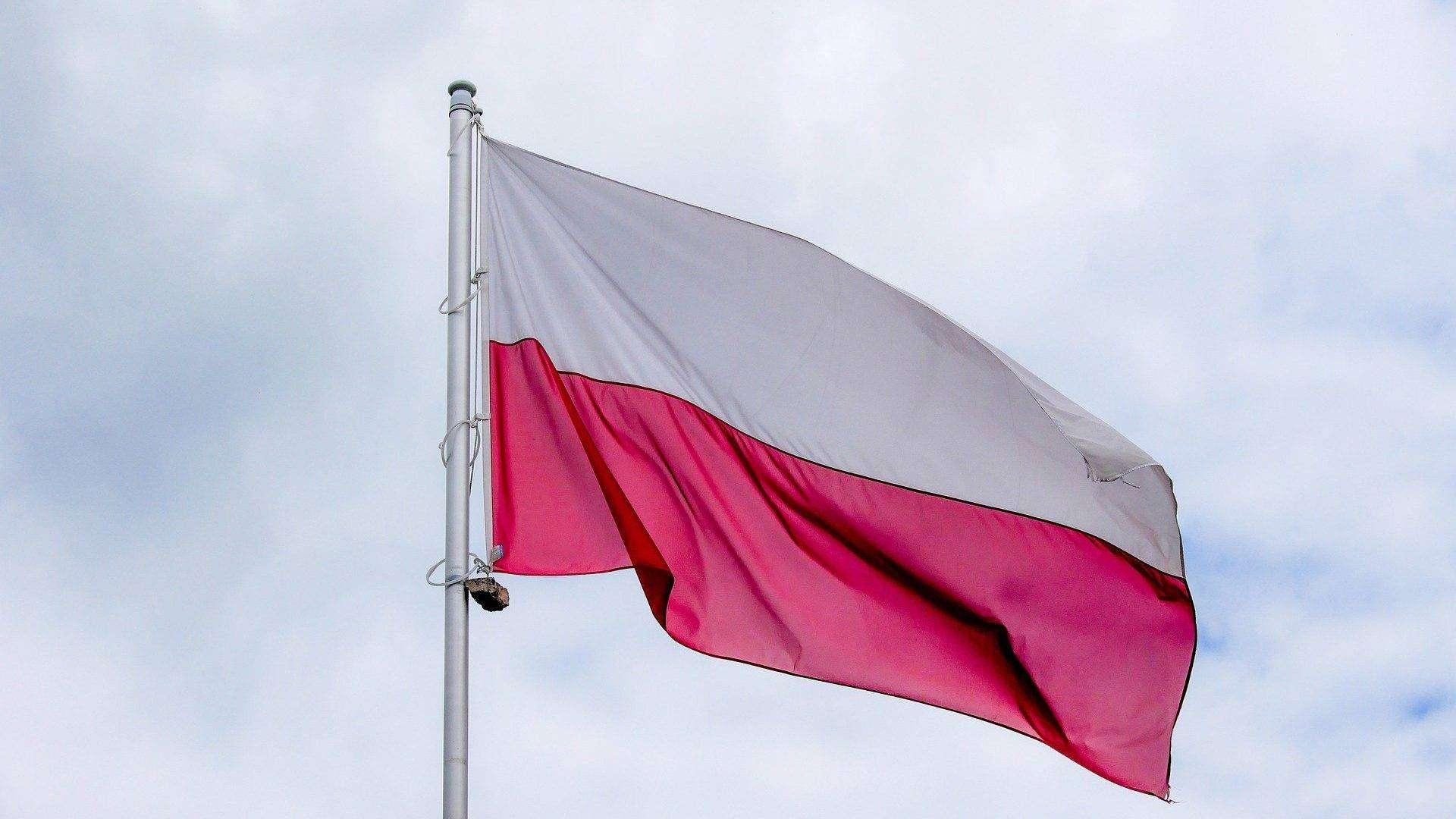 2021-04-27 flaga Polski (fot. pixabay)
