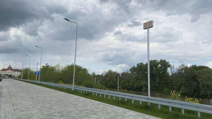 2021-05-21 budki lęgowe dla jerzyków na Bulwarze Nadodrzańskim (fot. K. Brzezińska) (1)