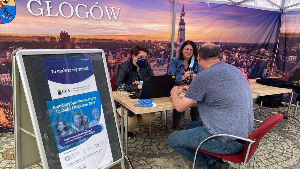 Stoisko spisowe Urzędu Miejskiego w Głogowie podczas Dnia Dziecka-01-06-2021