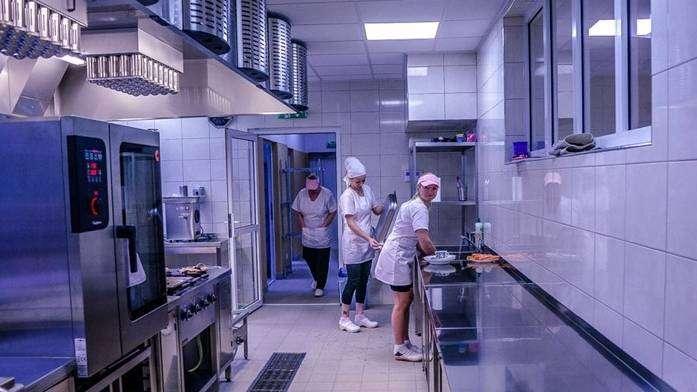 Kuchnia w SP7 w Głogowie, archiwum UM