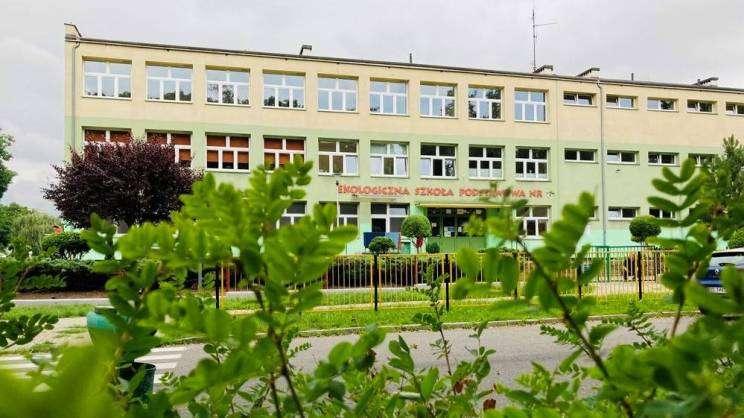 Budynek SP 7 w Głogowie, MDG