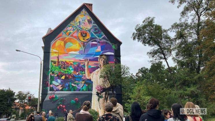 20.08.2021 mural w Głogowie odsłonięcie