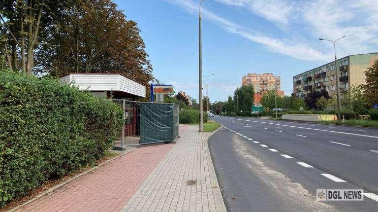 24.08.2021 remont wiaty przystanowej przy ul. Obrońców Pokoju w Głogowie, MDG