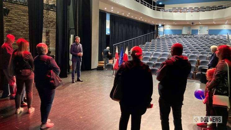 dni otwarte funduszy europejskich w głogowskim teatrze, wizyty mieszkańców w teatrze